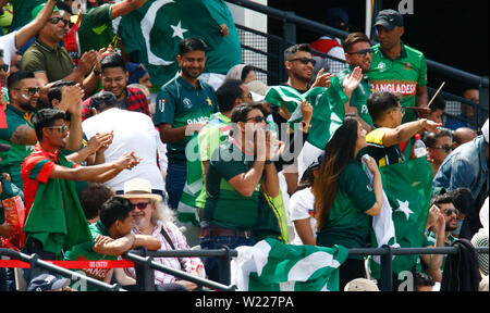 London, UK. 05th July, 2019. LONDON, England. July 05: Pakistan Fans during ICC Cricket World Cup between Pakinstan and Bangladesh at the Lord's Ground on 05 July 2019 in London, England. Credit: Action Foto Sport/Alamy Live News - Stock Photo