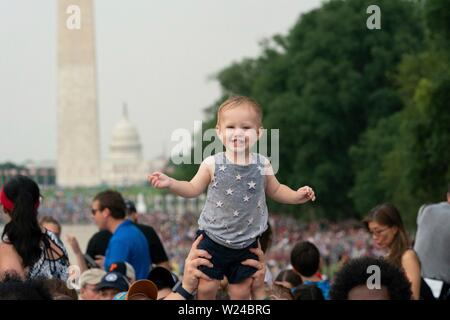 Washington DC, USA. 04th July, 2019. Audience members cheer during the Salute to America event at the Lincoln Memorial July 4, 2019 in Washington, D.C. Credit: Planetpix/Alamy Live News - Stock Photo