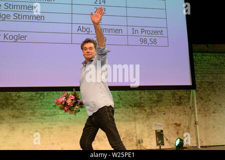 """Vienna, Austria. 06th July, 2019. 41st Federal Congress of the Greens(GRUENE). The list places 1 to 14 of the list of candidates for the National Council election 2019 are selected in the """"Expedithalle Wien"""". Werner Kogler was elected with 98.58% to the top candidate of the Greens. Credit: Franz Perc / Alamy Live News - Stock Photo"""