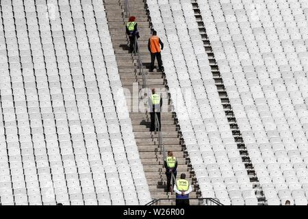 Sao Paulo, Brazil. 06th July, 2019. Sao Paulo, Brazil. 6th July 2019.  Employees wait fans prior the Copa America 2019 3rd place soccer match between Argentina and Chile, at Arena Corinthians Stadium in Sao Paulo, Brazil, 6 July 2019. Credit: Paulo Whitaker/EFE/Alamy Live News Credit: EFE News Agency/Alamy Live News - Stock Photo