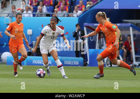 Groupama Stadium, Lyon, France. 7th July, 2019. FIFA Womens World Cup final, USA versus Netherlands; Sherida Spitse (NED), 13 Alex Morgan (USA) Fcuts away from Stefanie Van Der Gragt (NED) Credit: Action Plus Sports/Alamy Live News - Stock Photo
