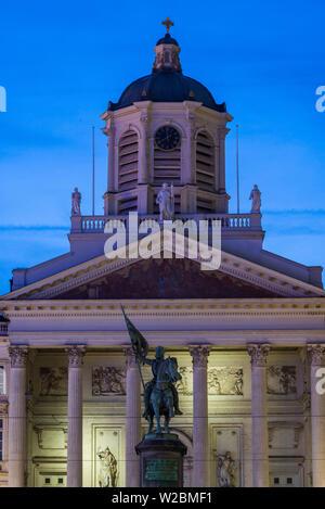 Belgium, Brussels, Place Royale, Eglise Saint Jacques-sur-Coudenberg church, and statue of Godefroid de Boullion, dawn - Stock Photo