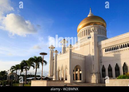 Kingdom of Brunei, Bandar Seri Begawan, Omar Ali Saifuddien Mosque - Stock Photo