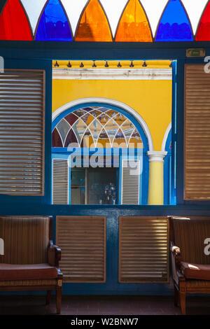 Cuba, Havana, Havana Vieje, Plaza de la Catedral, Palacio de los marqueses de Aguas Claras - a baroque palace now Restaurant El Patio - Stock Photo