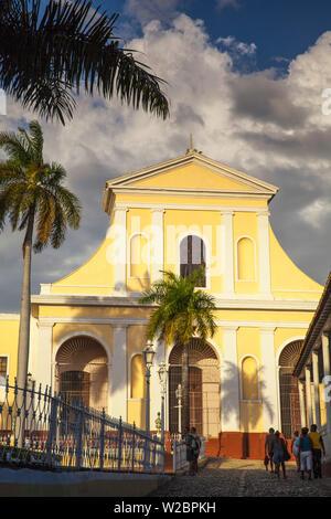Cuba, Trinidad, Plaza Mayor, Iglesia Parroquial de la Santisima Trinidad - Church of the Holy Trinity - Stock Photo