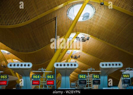 Spain, Madrid, Adolfo Suarez Madrid-Barajas Airport, international terminal architectural detail - Stock Photo