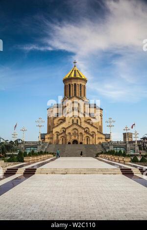 Georgia, Tbilisi, Avlabari, Tsminda Sameba Cathedral (Holy Trinity Cathedral) - the biggest Orthodox Cathedral in the Caucasus - Stock Photo