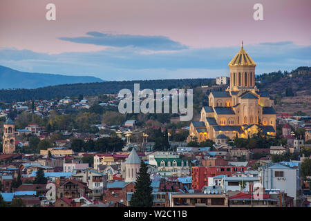 Georgia, Tbilisi,Avlabari, View of Tsminda Sameba Cathedral (Holy Trinity Cathedral) - the biggest Orthodox Cathedral in the Caucasus - Stock Photo