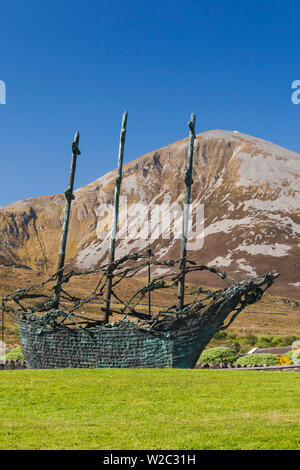 Ireland, County Mayo, Murrisk, view of Croagh Patrick Holy Mountain with National Famine Monument - Stock Photo