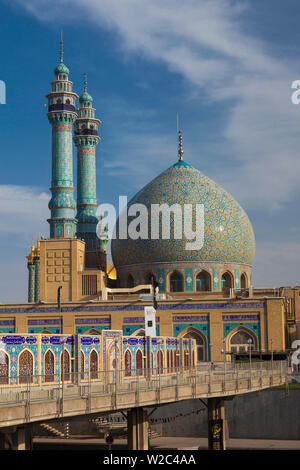 Iran, Central Iran, Qom, second holiest city in Iran after Mashad,  Hazrat-e Masumeh, Holy Shrine, burial place of Imam Reza's sister Fatemeh in the 9th century AD, exterior - Stock Photo