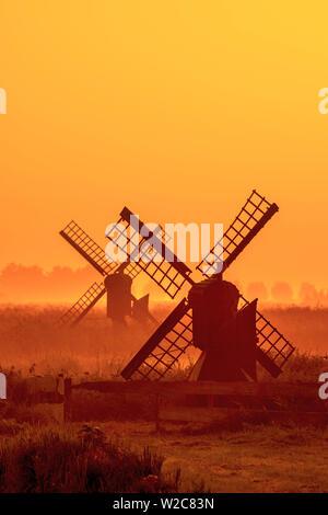 Netherlands, North Holland, Zaandam, Zaanse Schans, Small agricultural windpumps - Stock Photo