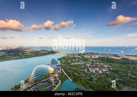 Singapore, elevated view of the Gardens By The Bay with the Indoor Botanical Gardens of Cloud Forest and Flower Dome, late afternoon - Stock Photo