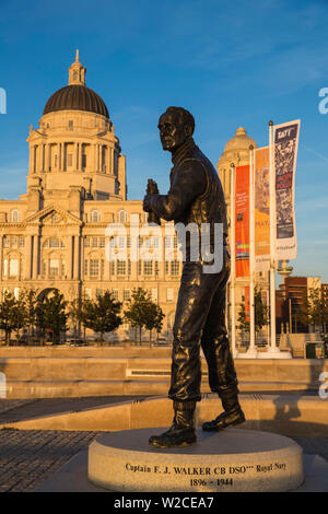 United Kingdom, England, Merseyside, Liverpool, Statue of Captain Walker infront of The Port of Liverpool Building - one of The Three Graces buildings - Stock Photo