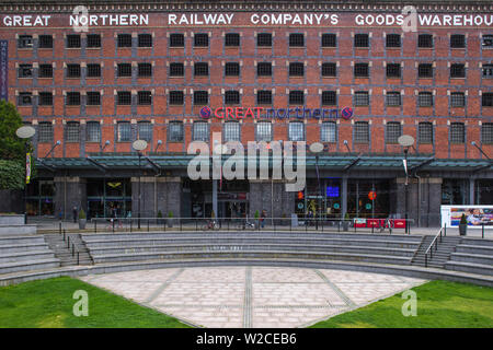 United Kingdom, England, Greater Manchester, Manchester, Deansgate,  Great Northern Warehouse is now a lively leisure and shopping development - Stock Photo