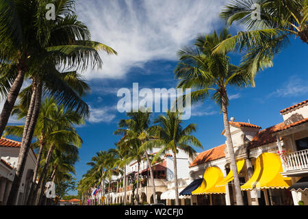 USA, Florida, Palm Beach, Worth Avenue - Stock Photo