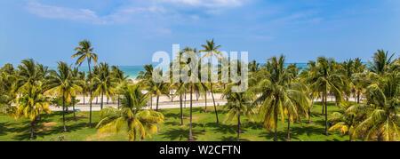 U.S.A, Miami, Miami beach, South Beach, Ocean drive, View over Lummus Park towards South Beach - Stock Photo