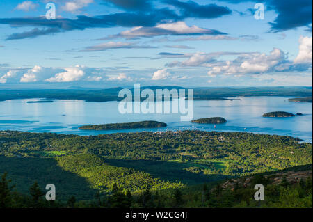 USA, Maine, Mt. Desert Island, Acadia National Park, Cadillac Mountain, elev.1530 feet, view of Frenchman Bay - Stock Photo