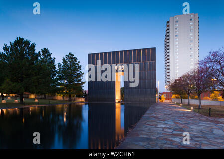 USA, Oklahoma, Oklahoma City, Oklahoma City National Memorial to the victims of the Alfred P. Murrah Federal Building Bombing on April 19, 1995, West Entrance - Stock Photo