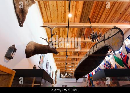 USA, Nebraska, Chadron, Museum of the Fur Trade, voyageur-fur trader canoe - Stock Photo