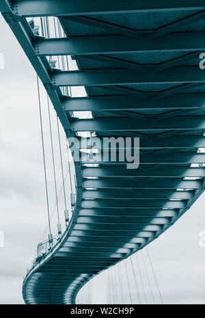 USA, Nebraska, Omaha, Bob Kerrey Pedestrian Bridge across the Missouri River - Stock Photo