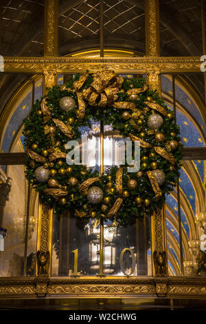 Christmas wreath, Manhattan, New York City, New York, USA, Stock Photo