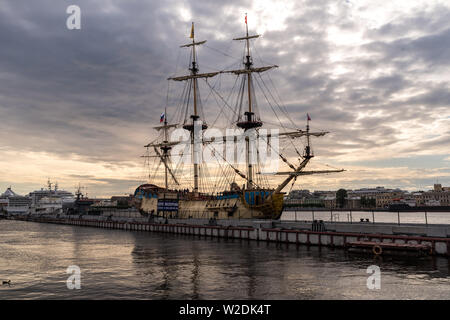 Snkt-Peterbrug, Russia - July 6, 2019: Sail Ship 'Poltava' on English embankment of Neva river. Sankt-Peterburg, Russia - 'Poltava' it is historical r - Stock Photo