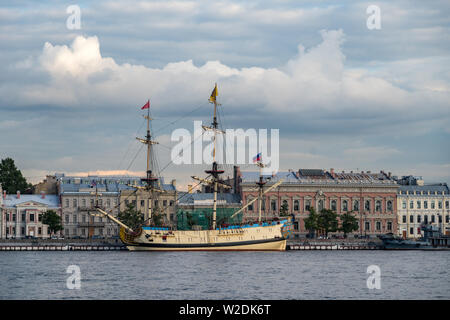 Sail Ship 'Poltava' on English embankment of Neva river. Sankt-Peterburg, Russia - 'Poltava' it is historical reconstruction of 54-gun line ship build - Stock Photo