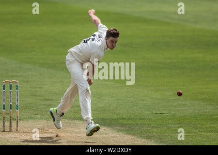London, UK. 8th July, 2019. Morne Morkel bowling for Surrey against Kent on day two of the Specsavers County Championship game at the Oval. Credit: David Rowe/Alamy Live News - Stock Photo
