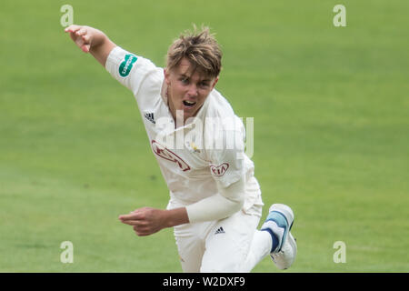 London, UK. 8th July, 2019. Sam Curran bowling for Surrey against Kent on day two of the Specsavers County Championship game at the Oval. Credit: David Rowe/Alamy Live News - Stock Photo
