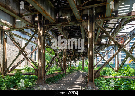 Under the elevated train tracks in the Old Town neighborhood - Stock Photo