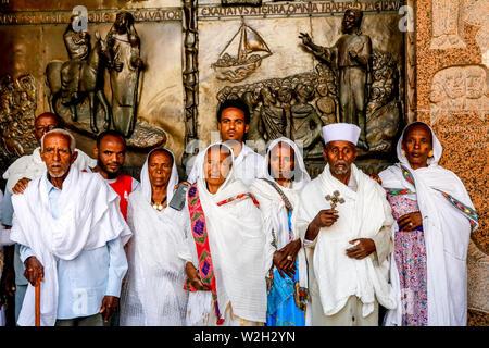 Ethiopian pilgrims at the Annunciation Roman catholic basilica, Nazareth, Galilee, Israel. - Stock Photo