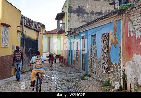 Cuba, Havana, February 16, 2018: people walking on the poor streets in Havana, Cuba - Stock Photo