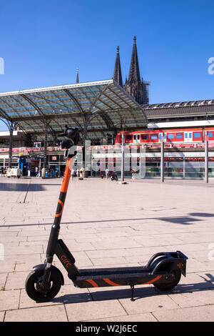 Circ electric scooters for rental at the main station, the cathedral, Cologne, Germany.  Circ Elektroscooter zum mieten am Hauptbahnhof, der Dom, Koel - Stock Photo