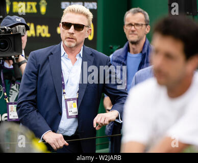 London, UK. 09th July, 2019. Tennis: Grand Slam, Wimbledon. Boris Becker is following a training session. Credit: Frank Molter/dpa/Alamy Live News - Stock Photo