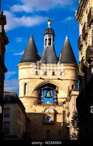 France, Nouvelle Aquitaine, Gironde, 'Grosse Cloche' on 'Tour Saint Eloï' gate, at Bordeaux. - Stock Photo