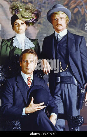 BUTCH CASSIDY AND THE SUNDANCE KID 1969 20th Century Fox film with Katherine Ross, Robert Redford, Paul Newman seated - Stock Photo