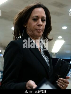 Washington, United States Of America. 10th July, 2019. United States Senator Kamala Harris (Democrat of California) arrives to a closed door briefing on American election security on Capitol Hill in Washington, DC, U.S. on July 10, 2019. Credit: Stefani Reynolds/CNP | usage worldwide Credit: dpa/Alamy Live News - Stock Photo