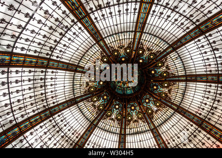 Rotunda ceiling at Gallerie Lafeyette, Paris, France - Stock Photo