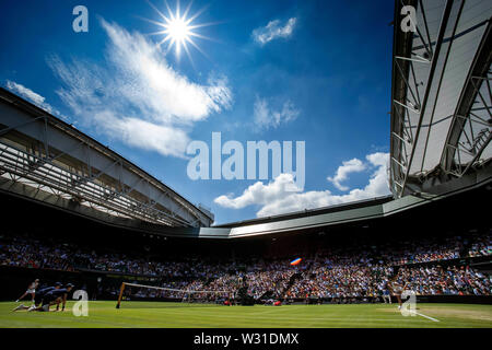 Wimbledon, UK. 11th July 2019, The All England Lawn Tennis and Croquet Club, Wimbledon, England, Wimbledon Tennis Tournament, Day 10; Centre court is full with spectators to watch Elina Svitolina (UKR) vs Simona Halep (ROM) Credit: Action Plus Sports Images/Alamy Live News - Stock Photo