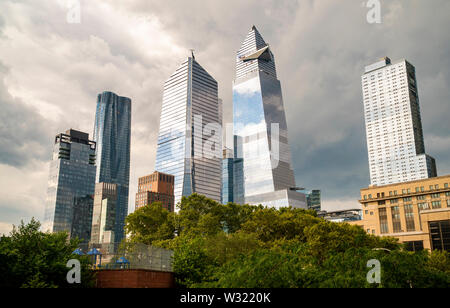 10 Hudson Yards, center left, 30 Hudson Yards, center right, and other development around Hudson Yards in New York on Tuesday, July 2, 2019. (© Richard B. Levine) - Stock Photo