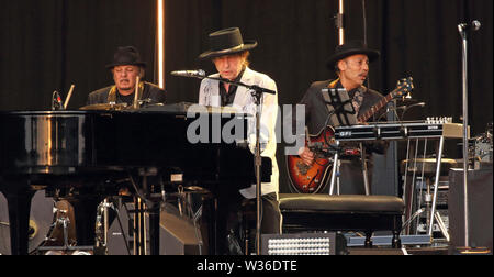 London, UK. 12th July, 2019. Bob Dylan performs on stage at London's Hyde Park. Credit: SOPA Images Limited/Alamy Live News - Stock Photo