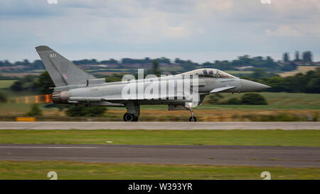 Yeovilton, UK. 13th July, 2019. An RAF Eurofighter Typhoon FGR4 taking off at the airshow in Yeovilton. Credit: Matthew Lofthouse/Alamy Live News - Stock Photo