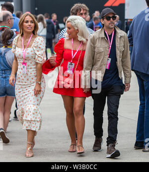 Silverstone, UK. 14th July, 2019.  FIA F1 Grand Prix of Britain, Race Day; Magician Dynamo and friends in the paddock Credit: Action Plus Sports Images/Alamy Live News - Stock Photo