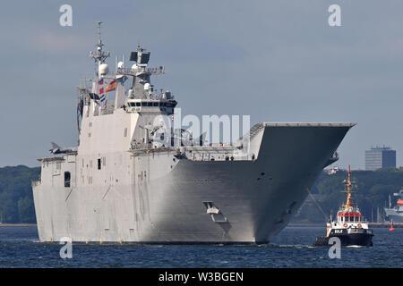 Spanish  amphibious assault ship Juan Carlos I outbound from Kiel - Stock Photo