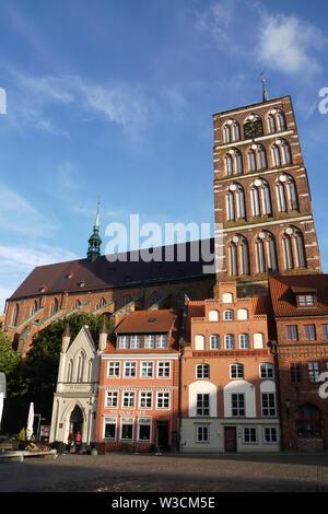 gotische St. Nikolai Kirche, Nikolaikirche, Hansestadt Stralsund, Mecklenburg-Vorpommern, Deutschland - Stock Photo