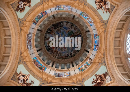 Looking up the dome from the Museu Nacional d'Art de Catalunya in Barcelona, Spain - Stock Photo