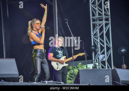 London, UK. 14th July 2019. Kerri Watt from Scotland performs at Kew the Music 2019 on 14 July 2019, London, UK. Credit: Picture Capital/Alamy Live News - Stock Photo