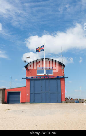 The Norfolk Coast at Caister on Sea with the lifeboat centre - Stock Photo