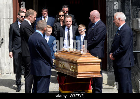 The coffin of Father Ted star Brendan Grace outside the Church of St. Nicholas of Myra, Dublin, following his funeral. - Stock Photo