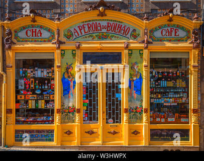Art nouveau style shop in the center of Porto - Stock Photo